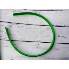 Пластиковый обруч, обшитый тканью, зеленый. Ширина 1 см.