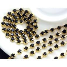 Стразовая цепь. Черные камни+золото. 1 м