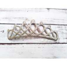 Корона серебристая . Экокожа. Размер 12,7*5 см